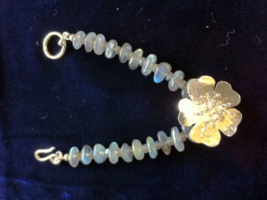 Terry Guile silver dog rose bracelet with tumbled labradorite stones